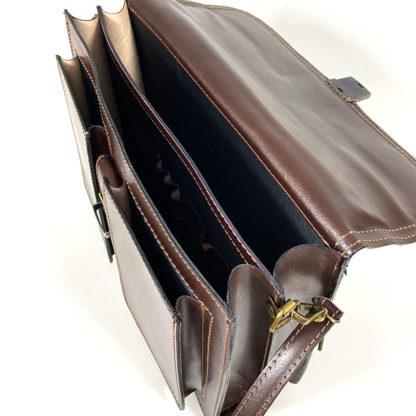Poslovna torba odprta